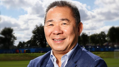 Cau thu Thai Lan tuong niem chu tich Leicester o tran ra quan AFF Cup hinh anh