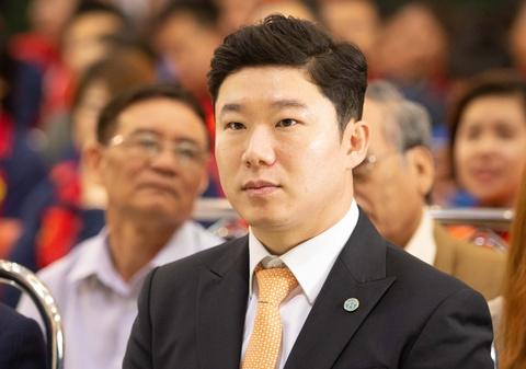 Hoang Xuan Vinh nhan HCV tu xa thu 4 lan vo dich Olympic hinh anh