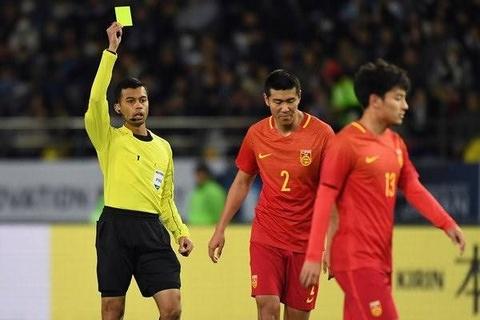 Khong co trong tai Viet Nam nao lam viec tai Asian Cup hinh anh