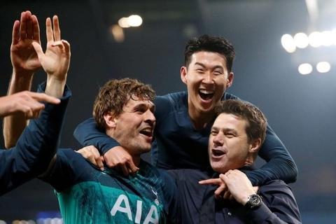 Cau thu, HLV Tottenham bung no cam xuc sau man hoi sinh nghet tho hinh anh 9