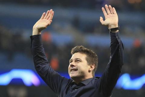 Cau thu, HLV Tottenham bung no cam xuc sau man hoi sinh nghet tho hinh anh 11