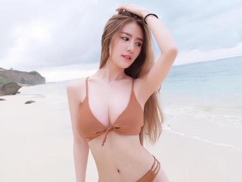 Ve goi cam cua hot girl Malaysia co 1,5 trieu fan tren mang hinh anh
