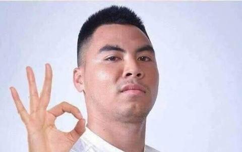 Fan Duc Huy 'lay' nhu than tuong: Hay che anh dat ten, tang qua doc la hinh anh