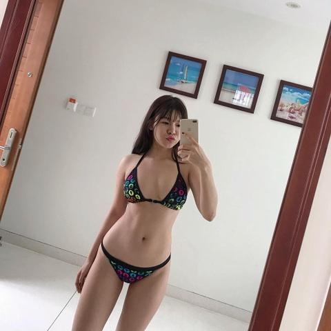 Yen Xuan: Tu hot girl phong tap den ban gai tin don cua Lam Tay hinh anh 7