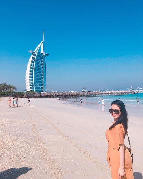 'Hot girl co vu World Cup' Tram Anh sang chanh trong anh du lich Dubai hinh anh 5