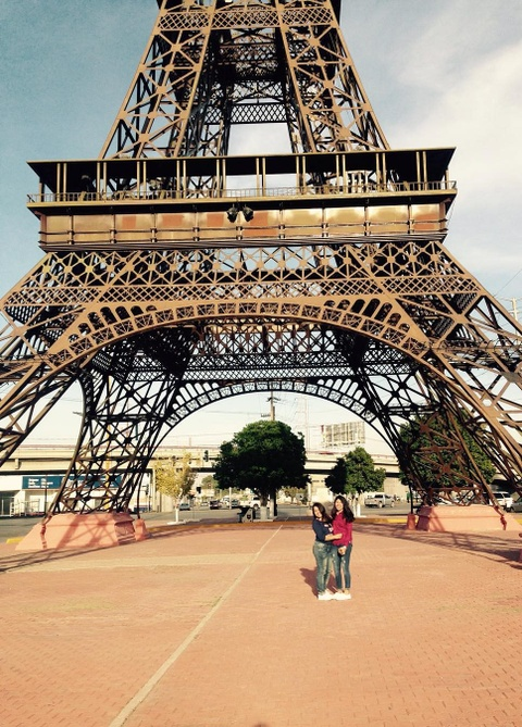 Khong den Phap van co the check-in voi nhung phien ban Eiffel nay hinh anh 14