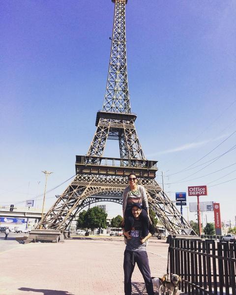 Khong den Phap van co the check-in voi nhung phien ban Eiffel nay hinh anh 13