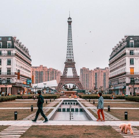 Khong den Phap van co the check-in voi nhung phien ban Eiffel nay hinh anh 8