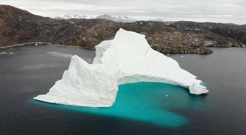 Bang troi 11 trieu tan de doa dan lang Greenland hinh anh 3
