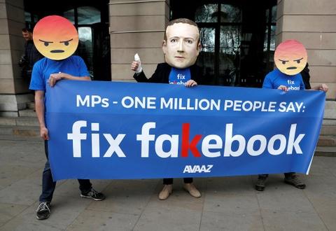 Nghi si Anh: Facebook tra loi 'khong trung thuc' ve van nan tin gia hinh anh