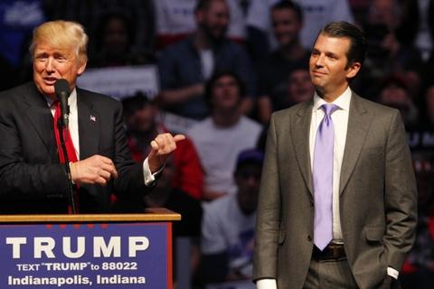 TT Trump thua nhan con trai gap go phia Nga de ban ve doi thu hinh anh