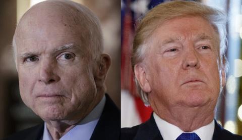 McCain cong kich TT Trump trong thong diep cuoi cung hinh anh