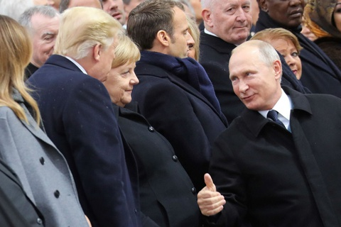 TT Macron da kich, TT Putin gio ngon tay cai voi TT Trump hinh anh