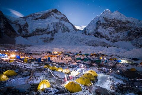 Ngọn núi nào thấp nhất thế giới?