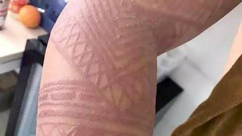 Du khach Bali canh cao henna tattoo gia co the gay hai suc khoe hinh anh
