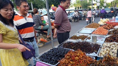 Kham pha dac san con trung chien gion cua Campuchia hinh anh 2
