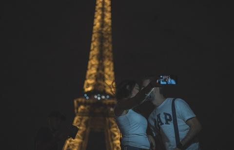 Paris tuyet dep duoi goc may cua nhiep anh gia Viet hinh anh 45