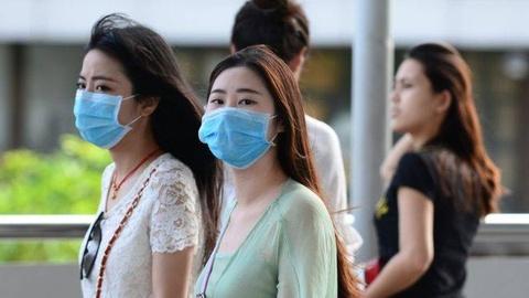 Khong khi o nhiem, du khach toi Bangkok can mang theo khau trang hinh anh