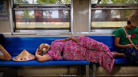 3 tieng nguoc thoi gian ngam thanh pho Yangon tren tau hoa hinh anh 3
