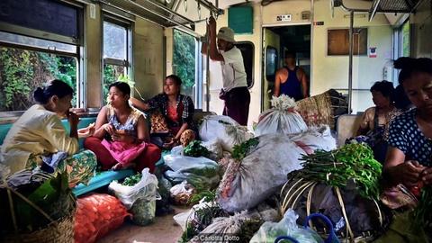 3 tieng nguoc thoi gian ngam thanh pho Yangon tren tau hoa hinh anh 5