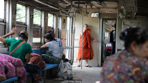 3 tieng nguoc thoi gian ngam thanh pho Yangon tren tau hoa hinh anh 8