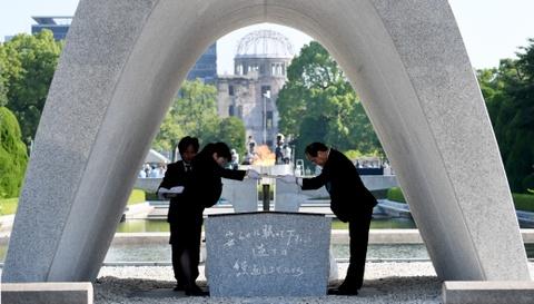 Hiroshima tuong niem 73 nam ngay qua bom nguyen tu 'Cau be' roi xuong hinh anh 2