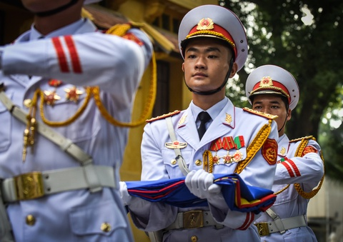 Co ASEAN tung bay trong le thuong co ky niem 51 nam thanh lap hinh anh 4