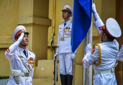 Co ASEAN tung bay trong le thuong co ky niem 51 nam thanh lap hinh anh 6