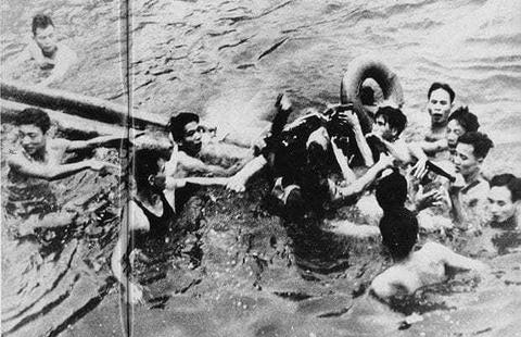 TNS John McCain - tieng noi di dau vun dap quan he Viet - My hinh anh 2