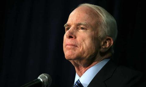 Viet Nam chia buon voi gia dinh Thuong nghi si John McCain hinh anh