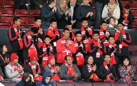 Doi bong 'Lon Rung' den Anh, thuc hien giac mo tham Manchester United hinh anh