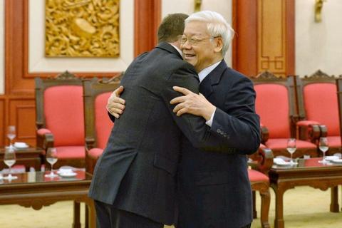 Thu tuong Nguyen Xuan Phuc don Thu tuong Nga tham chinh thuc Viet Nam hinh anh 9