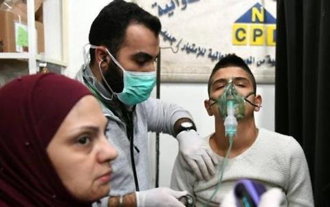 Tan cong hoa hoc tai Syria, 100 nguoi nhap vien hinh anh