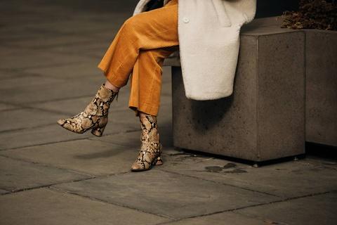 Đôi giày nào được các tín đồ streetstyle New York ưa chuộng nhất?