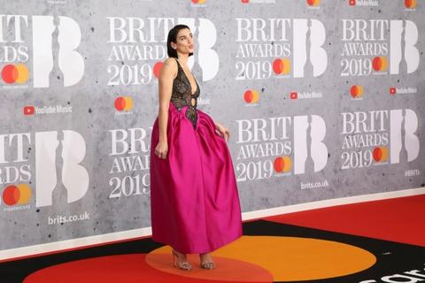 Dàn sao hàng đầu Anh quốc quy tụ tại lễ trao giải Brit Awards 2019