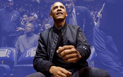 Cựu Tổng thống Obama diện bomber 44 chất lừ làm dân mạng phát cuồng