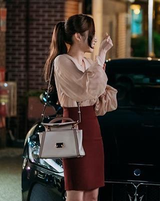 Thoi trang cua Park Min Young xuong cap sau khi dong vai Thu ky Kim? hinh anh 6