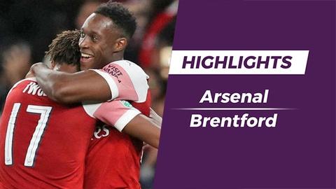 Highlights Welbeck lap cu dup, Arsenal thang de Brentford hinh anh