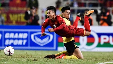 Nhung pha pham loi cua Malaysia trong tran chung ket AFF Cup luot ve hinh anh
