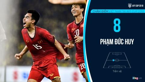 Cham diem tuyen Viet Nam tai AFF Cup: Quang Hai, Dinh Trong hay nhat hinh anh 10