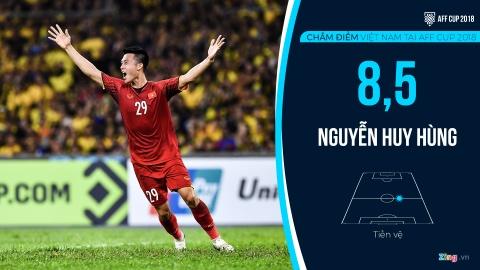 Cham diem tuyen Viet Nam tai AFF Cup: Quang Hai, Dinh Trong hay nhat hinh anh 11