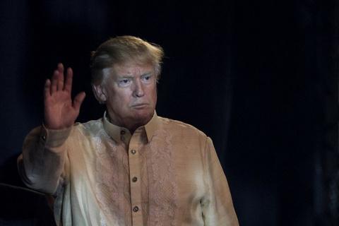 Tong thong Trump boi roi truoc man bat tay kieu ASEAN hinh anh 6