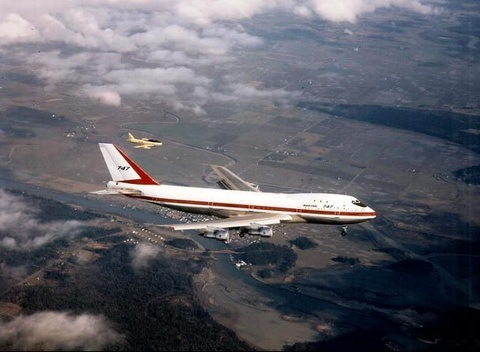 Chuyen bay dai dau tien cua Boeing 747 hinh anh