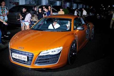 Chi tiet sieu xe Audi R8 10 ty sanh doi cung Thuy Tien hinh anh