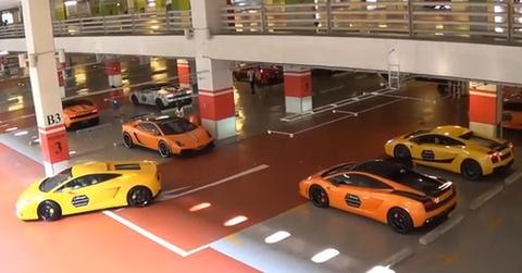 28 sieu xe Lamborghini tu hop o san bay Singapore hinh anh
