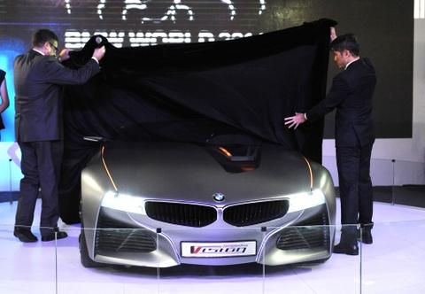Can canh BMW Vision ConnectedDrive o Ha Noi hinh anh