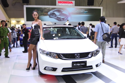 Honda Civic 2015 den dai ly voi gia tu 780 trieu dong hinh anh