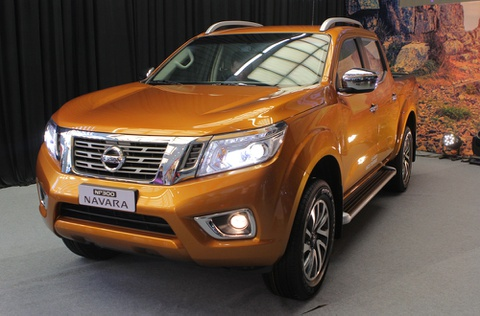 Anh chi tiet Nissan Navara 2015 vua ra mat o Viet Nam hinh anh