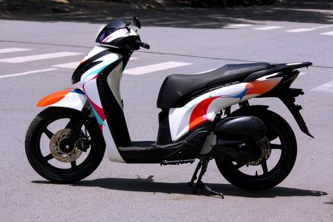 Honda SH 2010 voi dai chuyen mau ca tinh hinh anh