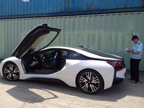 BMW i8 dau tien o mien Bac cap cang Hai Phong hinh anh